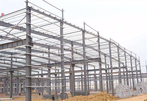 近年来,空间钢结构工程在建筑领域的应用越来越广泛,钢结构厂房是