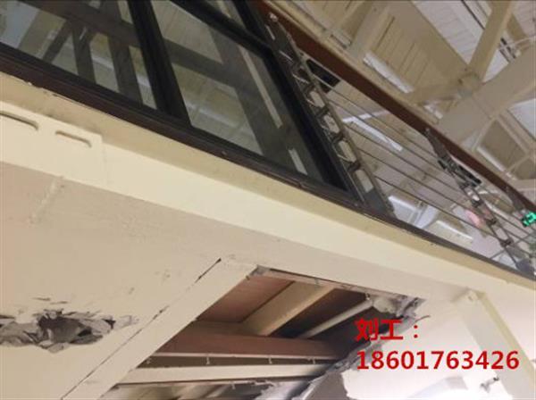 经检测,插层钢结构梁柱构件基本完好,节点基本完好,但存在少数梁柱