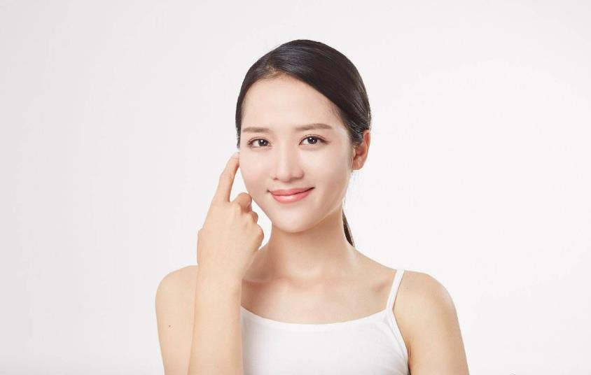 敏感肌肤可以用什么补水干性湿疹?首选CUK智能护肤